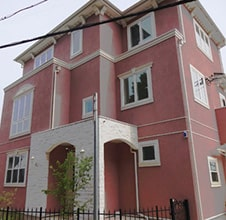 イタリアネート様式の3階建ての家